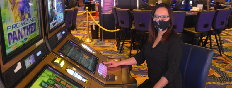Why Some Folks Virtually At all times Make/Save Money With Online Casino